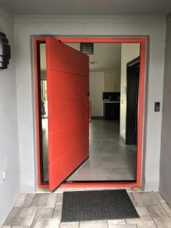 Visionmakers Contemporary Door  116