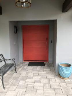 Visionmakers Contemporary Door  115
