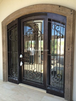 Visionmakers Steel Door with Sidelights 143