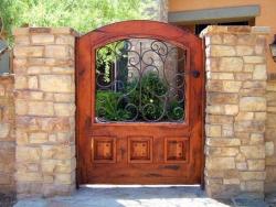 wood_gate_42__17636-705x529